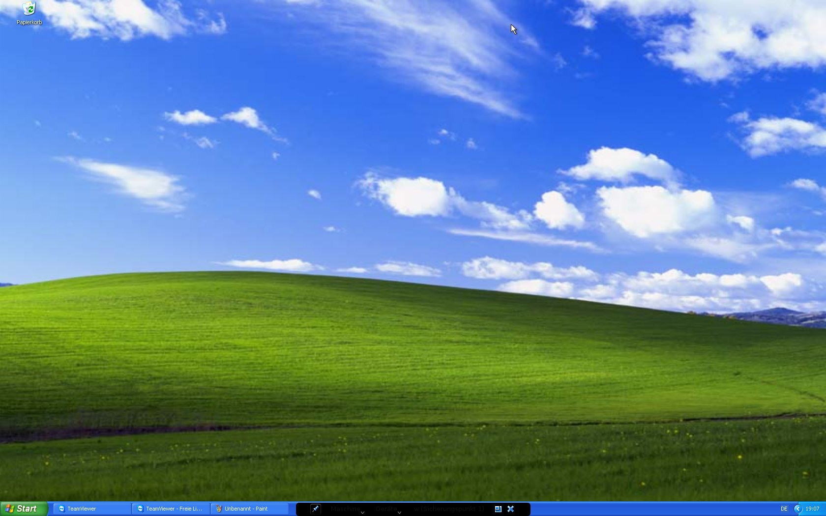 5212 kde4 taskbar seems to overlap vbox fullscreen for Window screen